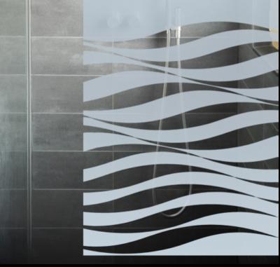 Glastuer-an-der-Dusche-mit-individueller-Gestaltung-mit-Muster